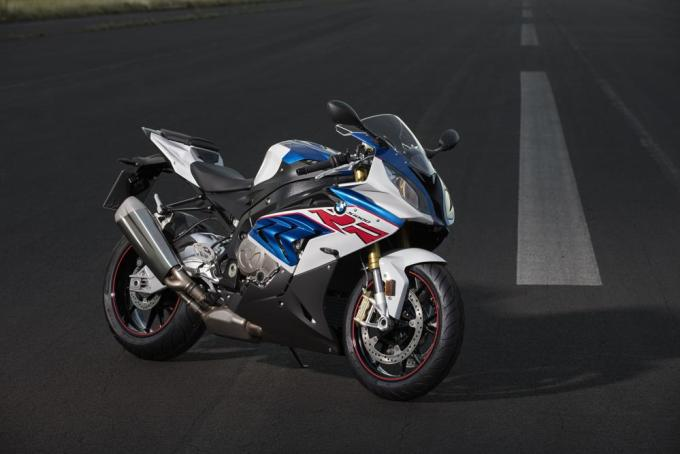 BMW Unveiled: 2017 Euro4 updates and R NineT Racer 1