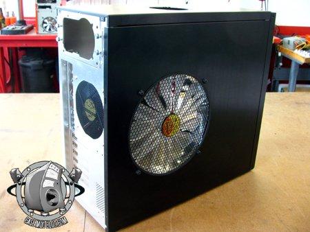 250mm_fan_brucelee_casemod9q.jpg