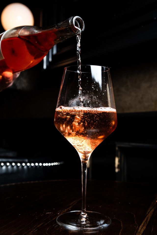 Como catar vino rosado