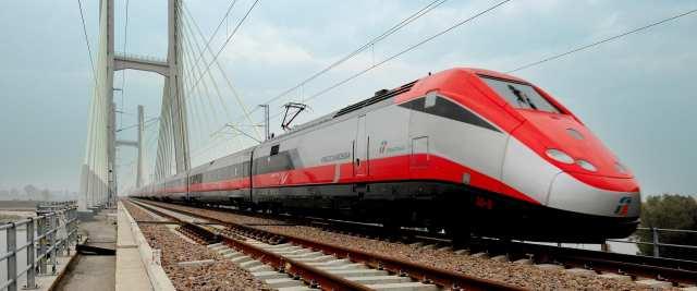 Trenitalia lavora con noi: Aperti i posti vacanti, come candidarsi