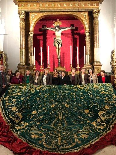 Nuevo manto de besamanos virgen de la Palma del Buen Fin | Hermandad Buen Fin
