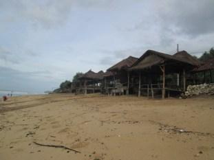 Cottage pantai sepanjang