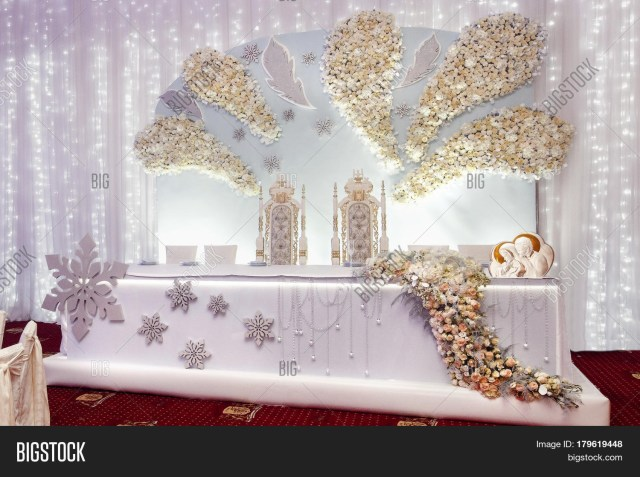 Bride Groom Wedding Table Decorations Luxury Wedding Decor Image Photo Free Trial Bigstock