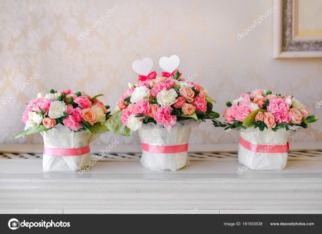 Decorations For A Wedding Flower Table Decorations For A Wedding Party The Bouquets From Pink