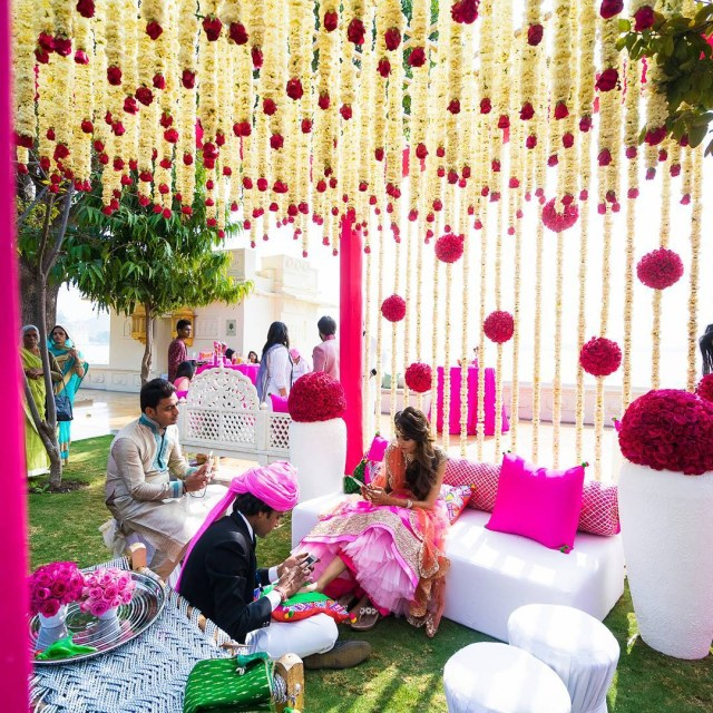 Indian Wedding Flower Decoration Pictures Flower Decoration Ideas For Indian Wedding Latest Mandap Stage