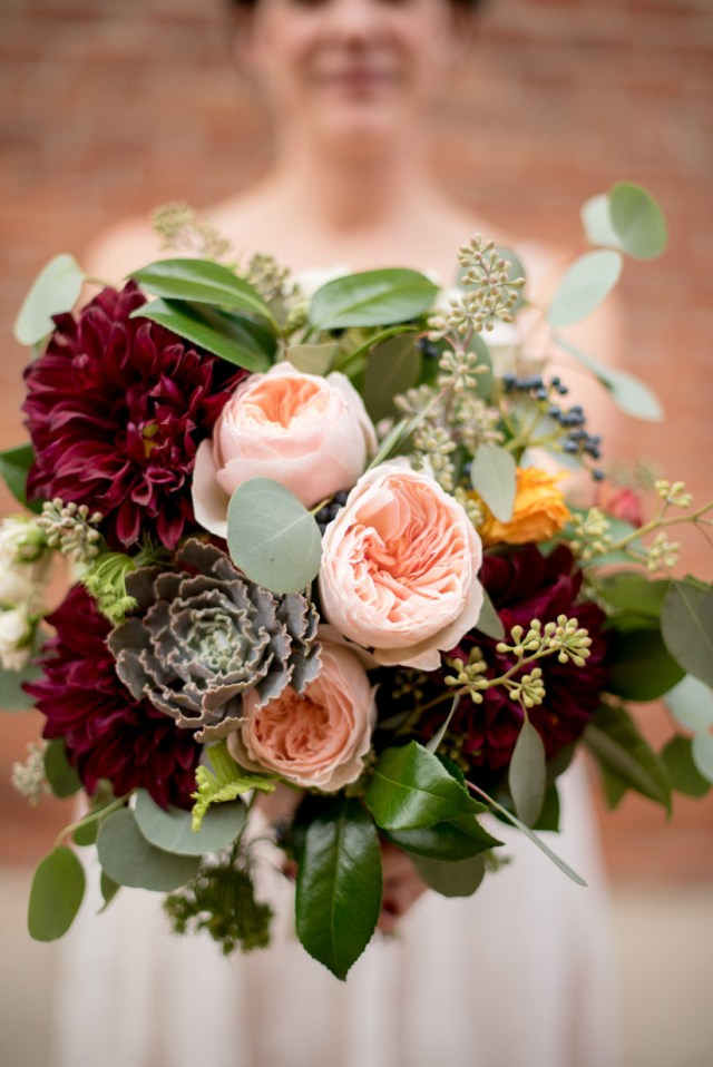 Recycled Wedding Decorations The Latest Wedding Trends Straight From The Experts Weddingwire