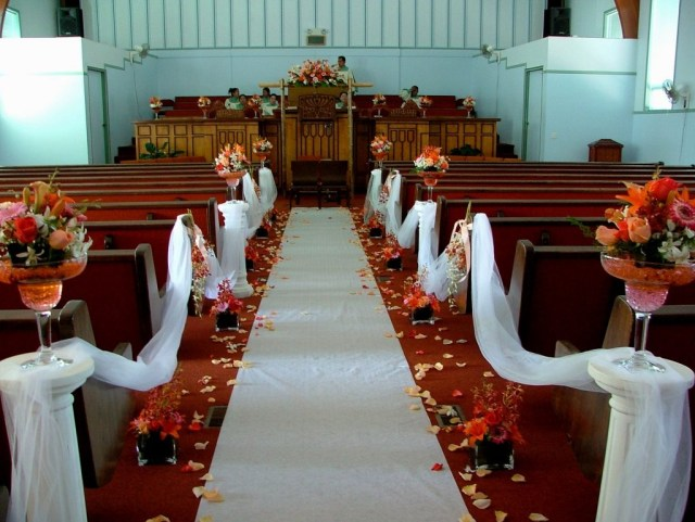 Simple Church Wedding Decorations Simple Wedding Chapel Ideas Wwwilleurimage