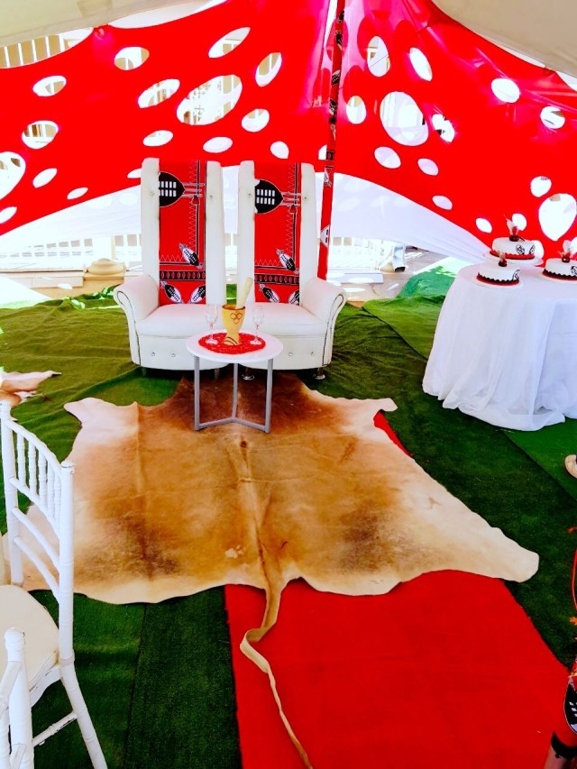 Traditional Wedding Tent Decorations Nice Black And White Traditional Wedding Decor On Planning At