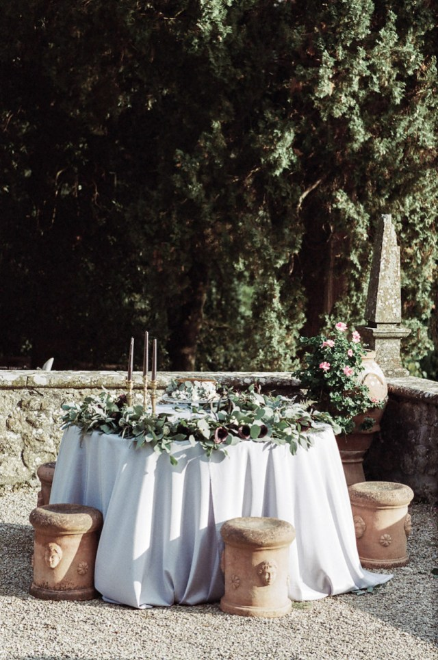 Wedding Cake Table Decoration Style Shoot In Tuscany Italy Wedding Cake Table Decoration Idea