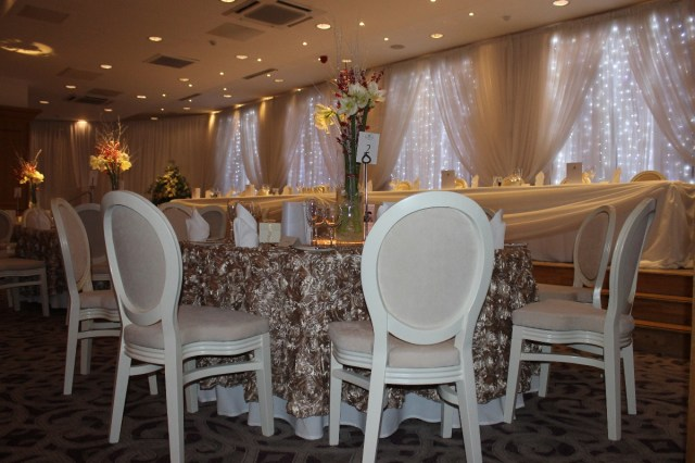 Wedding Room Decorations Add A Little Sparkle Wedding Venue Stylists Room Decoration