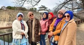 Tour bersama teman di Osaka Castle Jepang