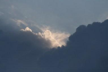 Skyerne samler sig.