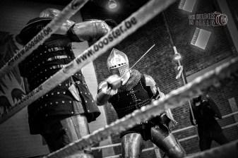 harde klappen bij het zwaardvechten (DHfoto)