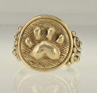 14ky Gold Paw Print Ring - Denim and Diamonds Jewelry
