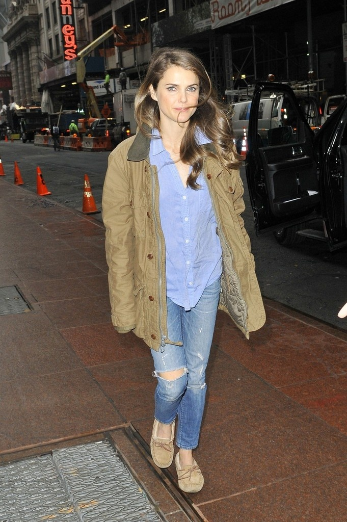 KERI RUSSELLS CASUAL CHIC STYLE  Denim and Gray