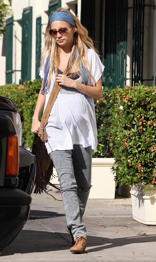 Nicole Richie And Harlow Out For Lunch In West Hollywood (USA ON