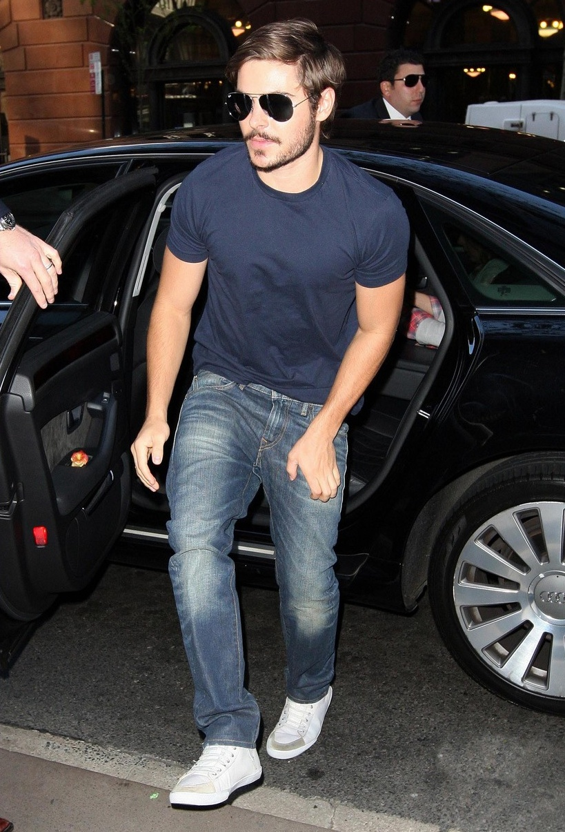 Zac Efron in Levis Matchstick Jeans  Denimology