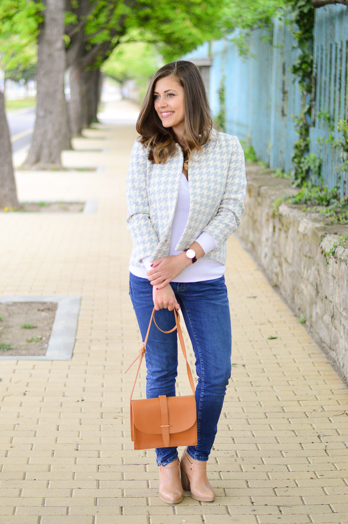 Skinny Jeans and Light Blue Blazer in Houndstooth Pattern Denina Martin
