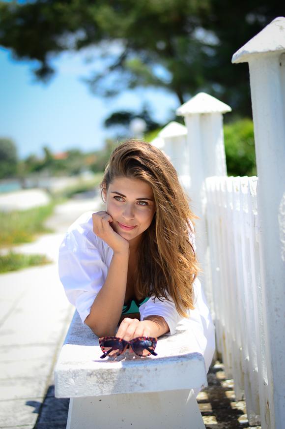 Bulgarian Fashion Blogger Denina Martin at the beach