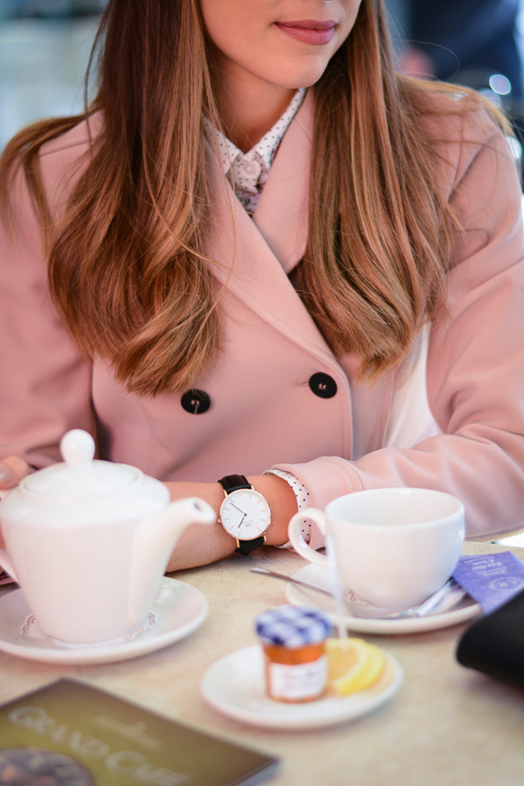 Bulgarian Fashion Blogger Denina Martin wearing Classic Sheffield 36mm in rose gold and black
