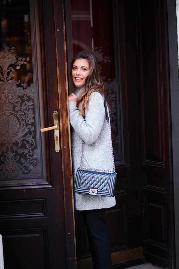 Vienna-Grey-Coat-Deniel-Wellington-December-Denina-Martin-5