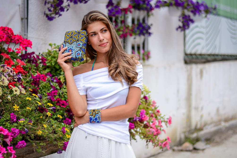 Thinking of Week Shop MDL Summer Look Beaded Clutch