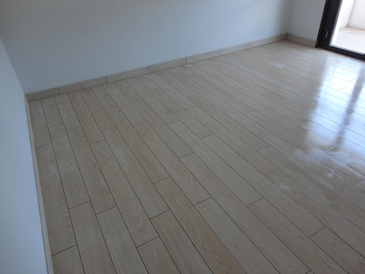 Piastrelle Effetto Legno Posa : Piastrelle finto legno bagno piastrelle finto legno grigio