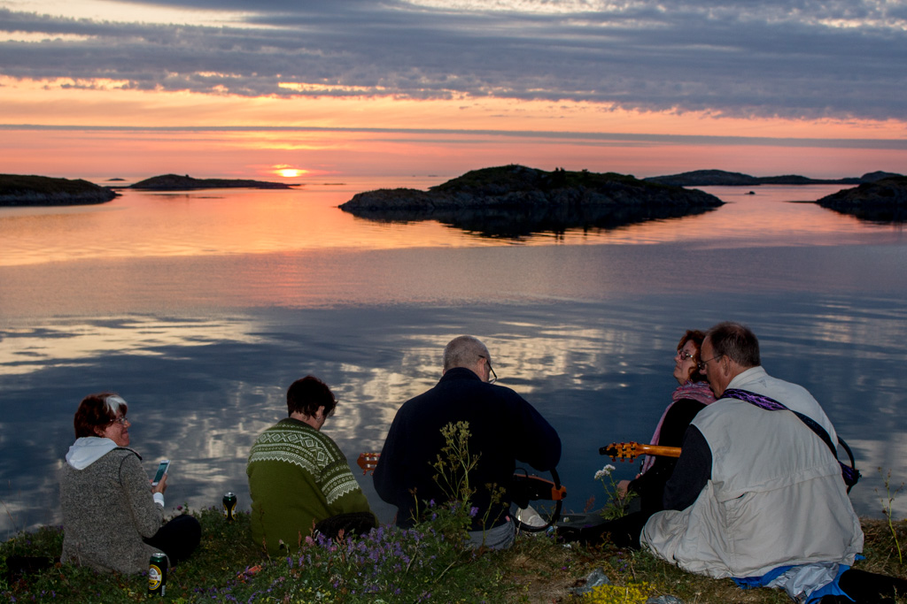 Another midnight sun party.
