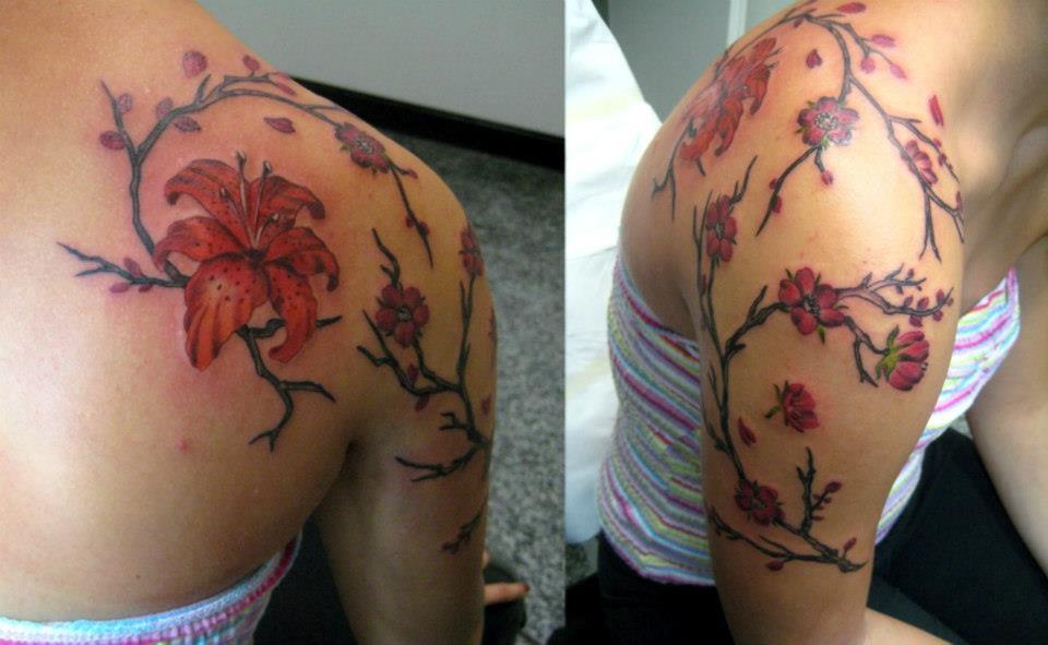 Tatuaggio Fiori Di Ciliegio Denis Trevisani Tattoo Studio