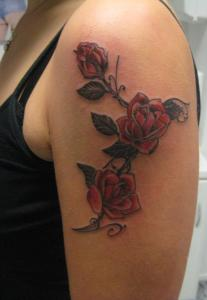 Denis Trevisani Tattoo Studio - TATUAGGIO ROSE ROSSE