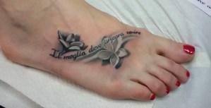 Tatuaggio sul piede
