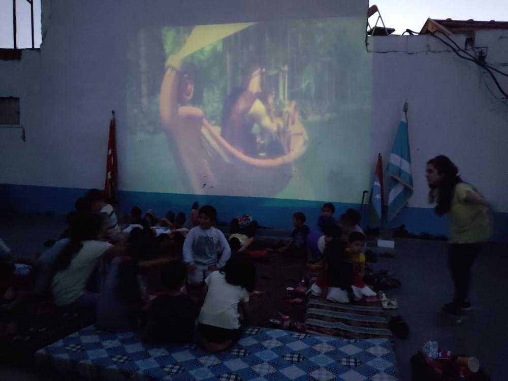 Türkmen minikler sinemayla tanıştı