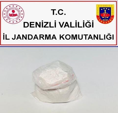 Şehirlerarası otobüste bulunan şahsın üzerinde 110 gram uyuşturucu maddesi ele geçildi