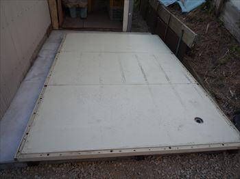プレハブ冷蔵庫底板設置