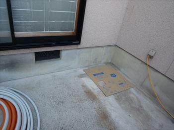 貯湯タンクを固定するアンカー