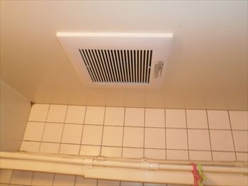 浴室側換気扇本体取替え完了