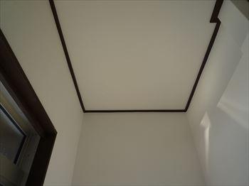天井点検口工事前の玄関天井