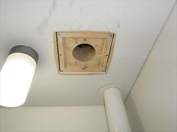 トイレ側換気扇吸込口