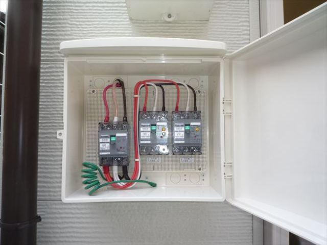 プレハブ冷蔵庫室外機側動力分電盤