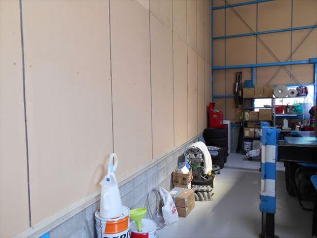 自動車整備工場内動力電源取付場所