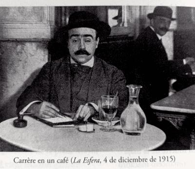 Fotografía de Emilio Carrere. Carrere en un café («La Esfera», 4 de dicieimbre de 1915)