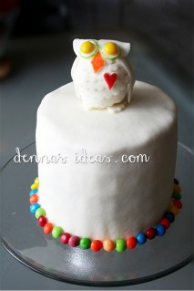 Owl Cake for partygoers to graffiti with edible markers