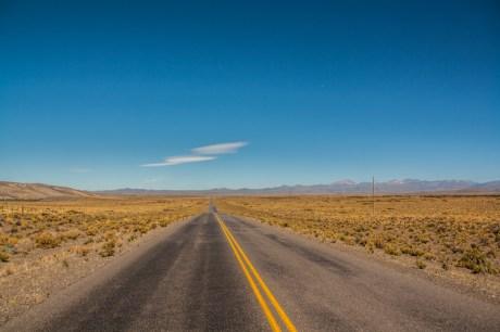 lonley-desert-road