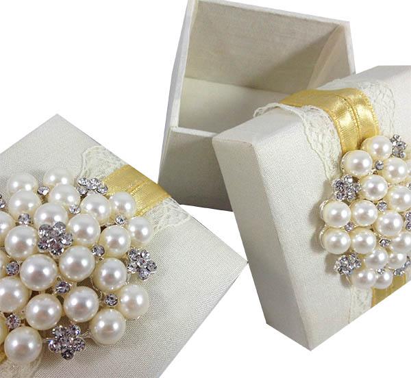 IVORY SILK Amp LACE WEDDING FAVOR BOX Luxury Wedding