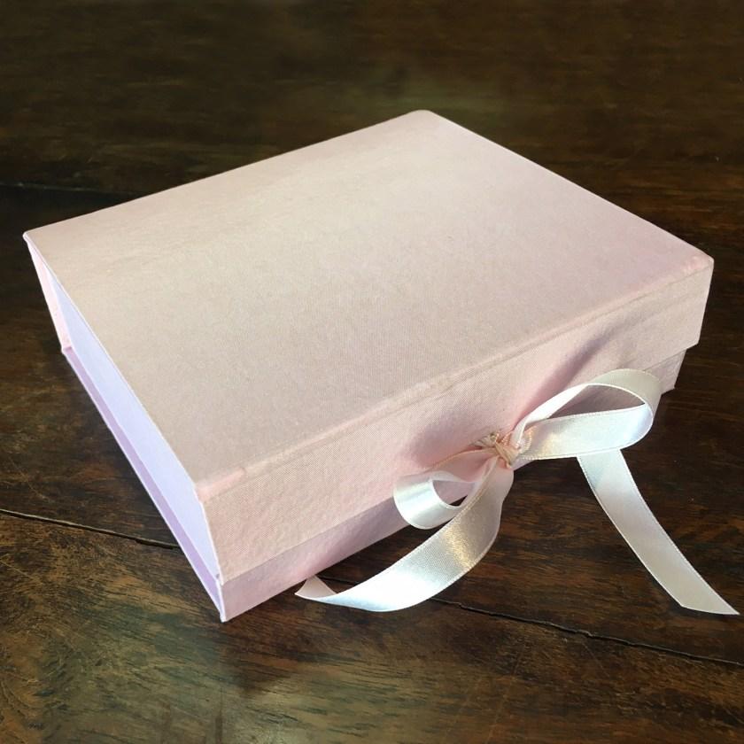Luxury Wedding Invitation Packaging Box With Ribbon Closure