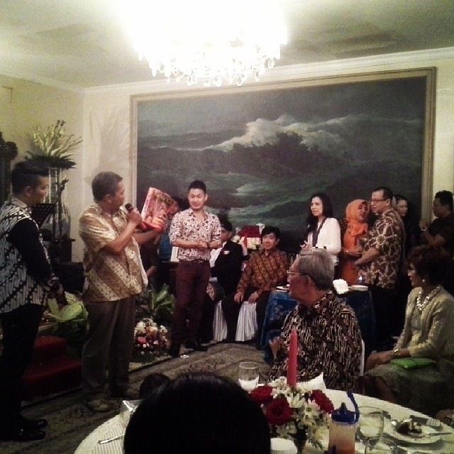Berbagi Cerita di Pesta Ulang Tahun Guruh Sukarno Putra (4/4)