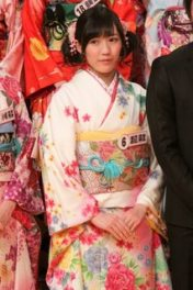You will grow into that kimono young Mayu : )