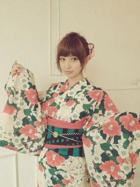 Sinoda floral kimono