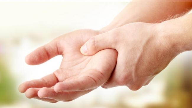 Penyakit Tremor : Momok Bagi Dokter Gigi Yang Perlu Diwaspadai