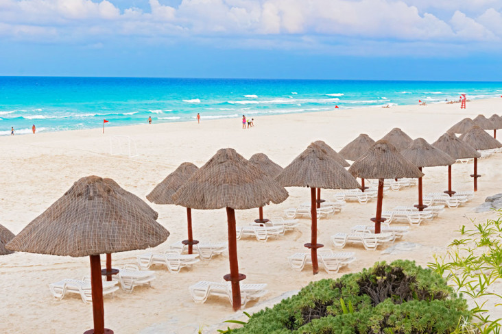 cancun beach dental implants cost